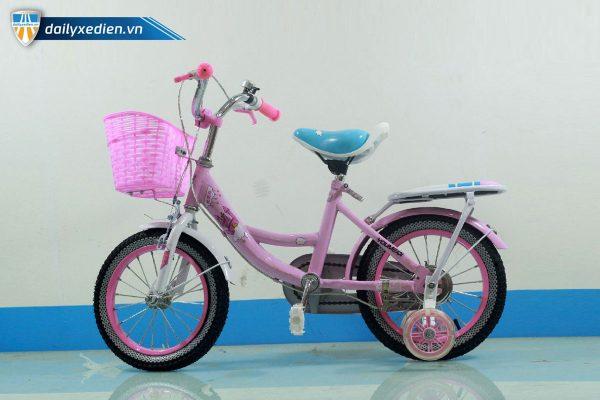 Laudai XDTE chitiet 03 600x400 - Xe đạp trẻ em lâu đài