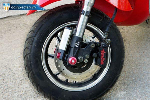VESPA 3banh chitiet 01 04 600x400 - Xe máy điện 3 bánh Vespa