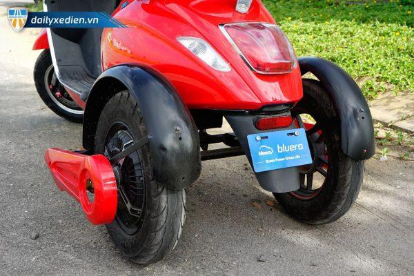 VESPA 3banh chitiet 01 07 600x400 - Xe máy điện 3 bánh Vespa