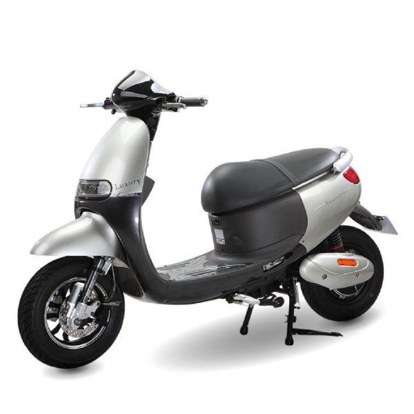 Xe máy điện DK Bike Luxury 01 600x600 - Xe máy điện DK Bike Luxury