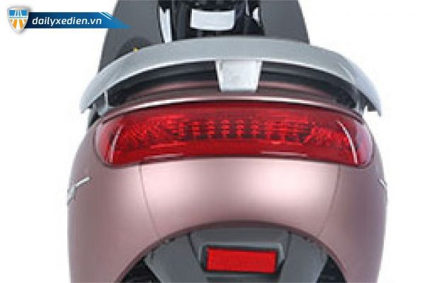 Xe máy điện DK Bike Luxury denhau 02 600x400 - Xe máy điện DK Bike Luxury