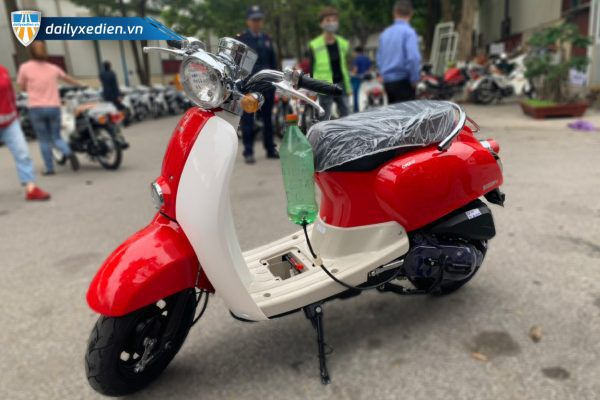 Xe Scoopy Giorno ct2 08 600x400 - Xe máy Scoopy Giorno 50CC