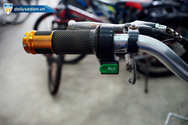 XE DAP DIEN JILI 09 600x400 - Xe đạp điện Jili cũ