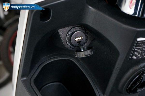 xe may dien yadea buye 11 600x400 - Xe máy điện Yadea Buye