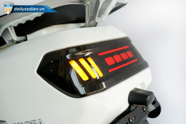 xe may dien yadea buye 15 600x400 - Xe máy điện Yadea Buye