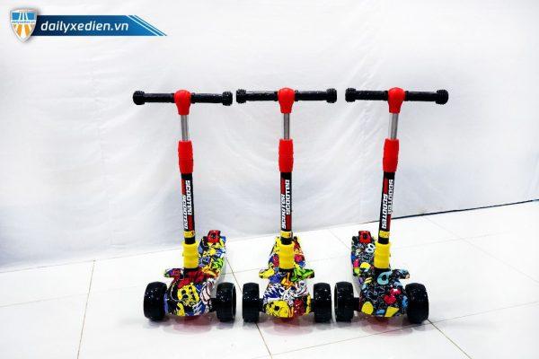 xe scooter 07 06 1 600x400 - Xe trẻ em Scooter mẫu mới có đèn & nhạc