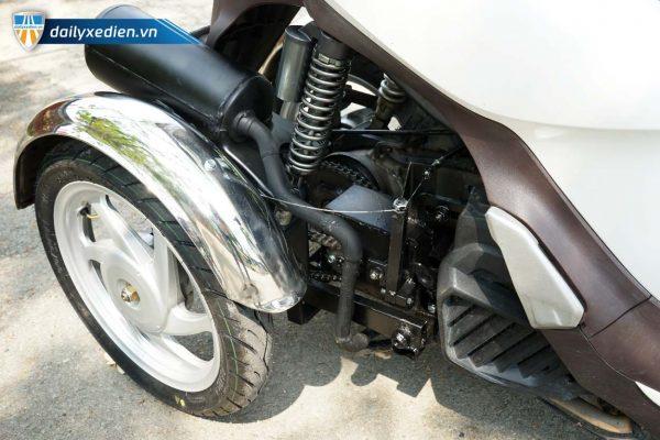 xe ba banh sh mode trang ct 15 600x400 - Xe máy ba bánh chế SH mode Việt Nhật
