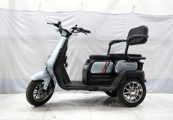 xe 3 banh super 8 new 2021 30 600x418 - Xe 3 bánh Super 8 New 2021